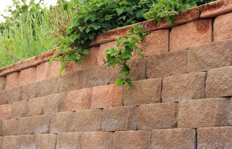 bloki-dlja-stroitelstva-podpornyh-sten-bez-betona41.jpg
