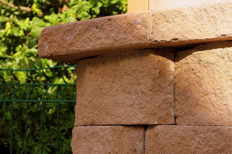 bloki-dlja-stroitelstva-podpornyh-sten-bez-betona53.jpg